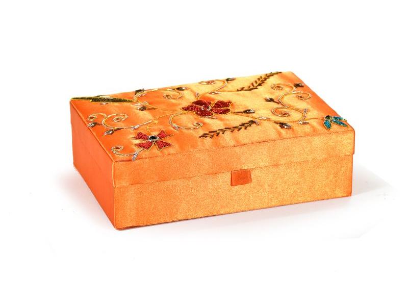 Ručně vyšívaná šperkovnice, oranžová s květinami, 18x13x5,5cm
