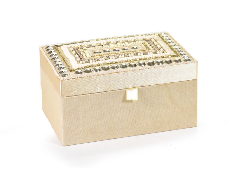 Ručně vyšívaná šperkovnice, bílo-zlatá, flitry a korálky, 15x10x6cm