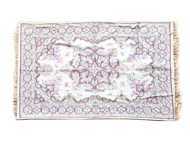 Ručně vyšívaný koberec/tapiserie, výšivka z hedvábí, 180x120cm