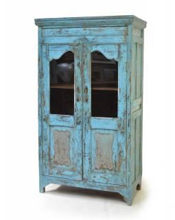 Prosklená tyrkysová skříň z antik teakového dřeva, 92x52x160cm