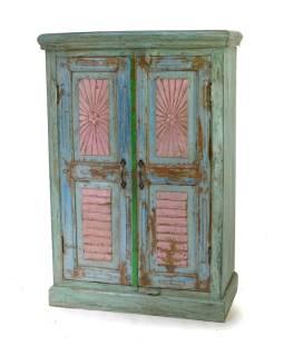 Tyrkysová skříň z antik teakového dřeva s ručně vyřezávanými dveřmi, 81x38x124cm