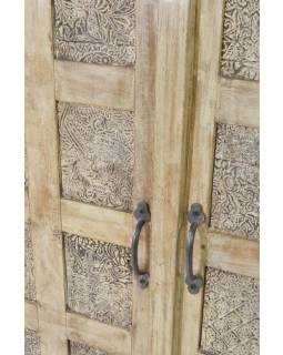 Skříň z antik teakového dřeva, ruční řezby, bílá patina, 90x36x120cm