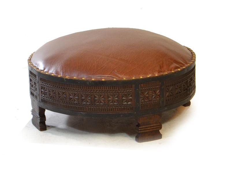 Dřevěná sedačka s koženým polstrováním, 72x72x33cm