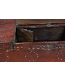 Dřevěná antik truhla z teaku, železné kování, červená,  52x29x25cm