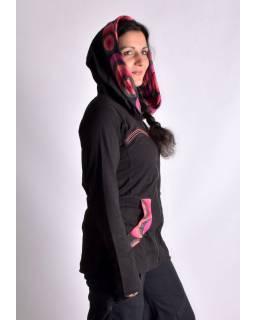 Černo-růžová mikina s kapucí zapínaná na zip, kapsy, potisk a výšivka