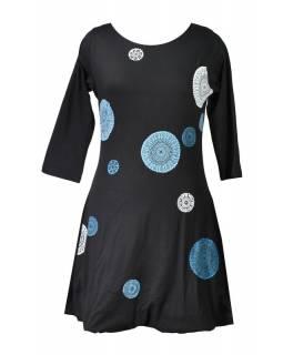 Krátké balonové černé šaty s tříčtvrtečním rukávem, modré Chakra aplikace