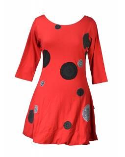 Krátké balonové červené šaty s tříčtvrtečním rukávem, šedé Chakra aplikace