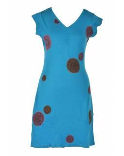 Krátké tyrkysové šaty s fialovo-šedými aplikacemi Chakra, V výstřih