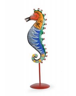Ručně malovaný svícen mořský koník - žluto/modrý, tepaný kov, malý, 8x8x29cm