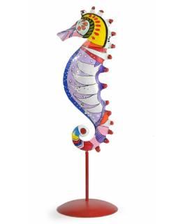 Ručně malovaný svícen mořský koník - sv.fialový, tepaný kov, velký 13x13x43cm