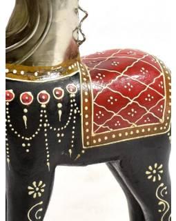 Soška koně, dřevěná, ručně malovaná, kovová hlava, černá 20x46cm