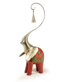Soška slona, dřevěná, ručně malovaná, kovová hlava se zvonečkem, 17x46cm