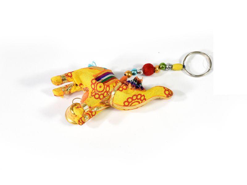 Dekorace k zavěšení, jeden žlutý slon, zvoneček, délka 13cm