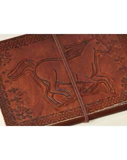 Notes v kožené vazbě s koněm , ruční papír, 13x18cm