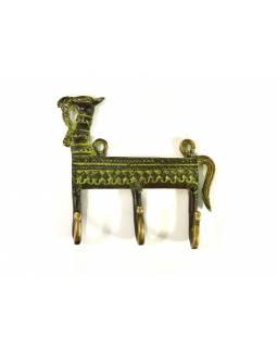 """Věšák velbloud, """"Tribal Art"""", zelená patina, mosaz, tři háčky, 14cm"""