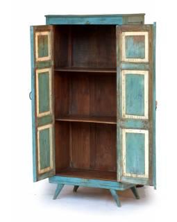Skříň z antik teakového dřeva, tyrkysová patina, 70x39x150cm